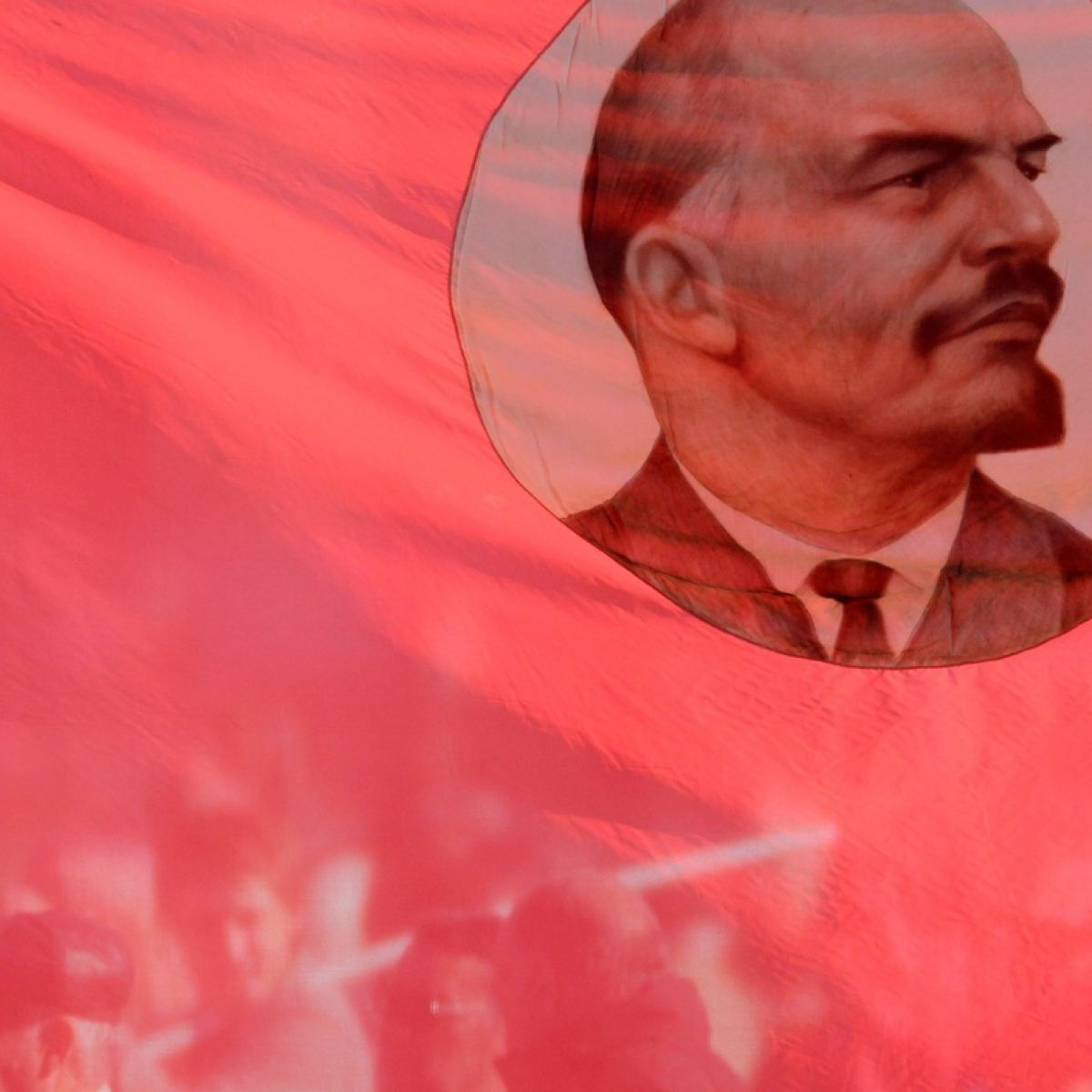 Why did not Lenin be buried immediately after his death Opinions of historians