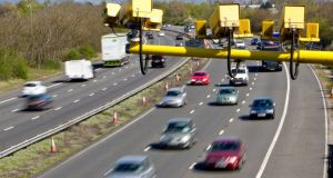 Speeding drivers on UK motorways face maximum fines of £2,500 (€2,950).