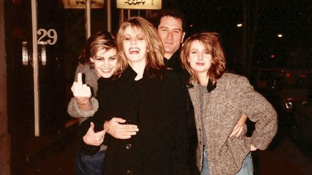 Sara Dallin, Keren Woodward and Siobhan Fahey with Robert de Niro in London in 1984