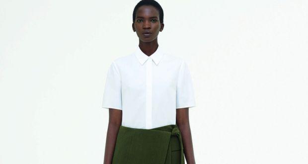 543ff7814359 Look 11: Cotton poplin short sleeve shirt in white - €59.00 Textured cotton  silk