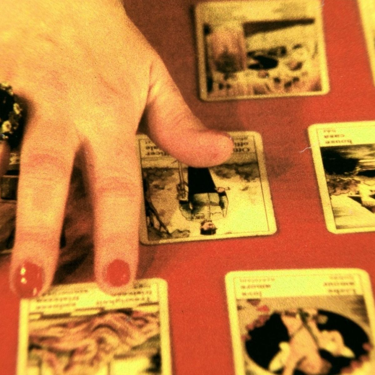 Do fortune tellers really favour the brave?