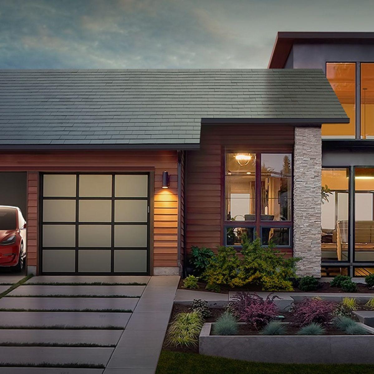 Tesla Solar Panel Roof >> Elon Musk Showcases Tesla S New Solar Roof