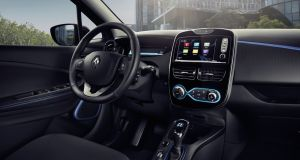 The Renaul Zoe 4.0's cabin looks quite nice and while the quality of the cabin plastics is pretty flimsy, Renault's engineers have clearly been hard at work as there was not a single squeak nor rattle from within the car