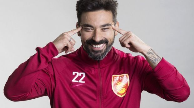 Lavezzi didn't do himself any favours with this photograph. Photo: Daniel Pérez/EPA