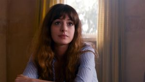 Monster session: Anne Hathaway  in Colossal