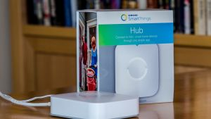 Samsung SmartThings hub (€130): you can make it the heart of your smart home for the future.