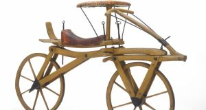 A German dandyhorse bicycle dating from 1817. Image: 200jahre-fahrrad.de