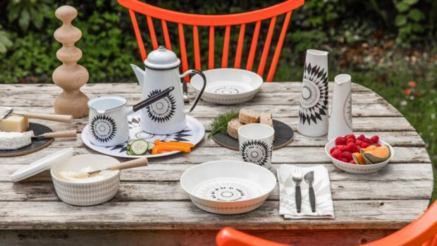 Midnattssol tableware by Swedish designer Sandra Isaksson