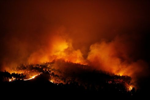 A forest fire is seen near Tojeira,  Pedrogao Grande, in central Portugal. Photo:  REUTERS/Rafael Marchante