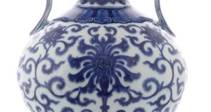 Lot 86, an antique blue-and-white 'Qing Period' vase measuring just 23cm sold for €740,000
