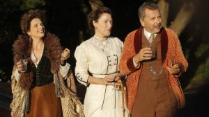 Juliette Binoche, Valeria Bruni Tedeschi, and Fabrice Luchini in Ma Loute