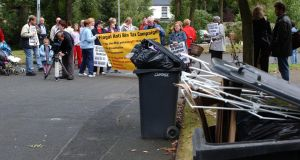 Lohunda Crescent in Clonsilla, Dublin in 2003  when residents blocked a bin lorry into their estate in protest against bin charges. Photograph by Frank Miller