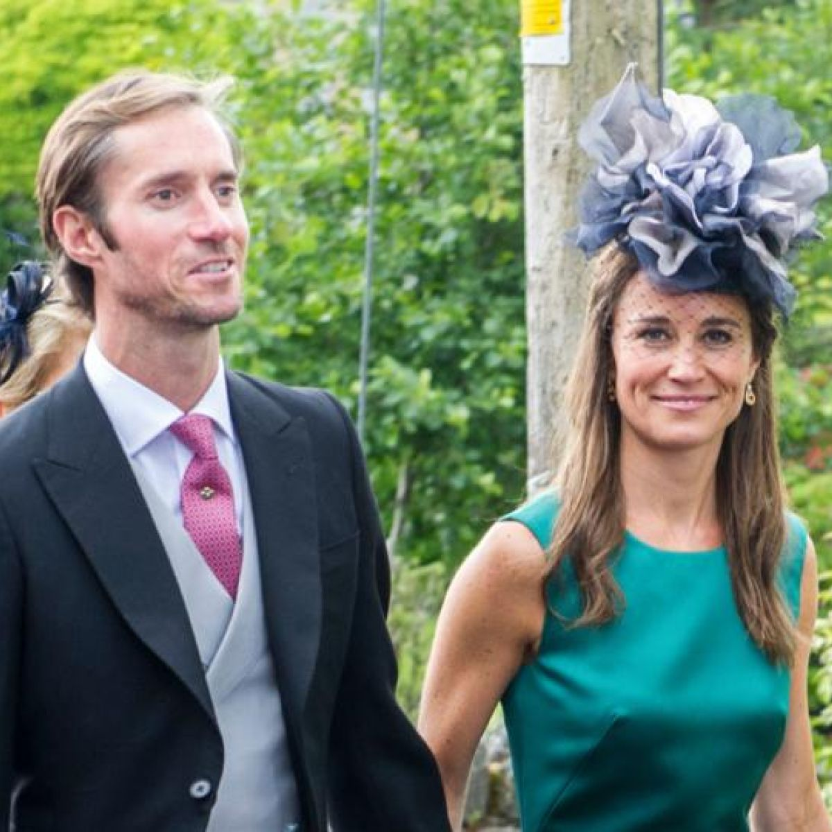 Pippa Middleton In Ireland For Best Friend S Wedding,White Kitchen Cabinets With Carrara Marble Countertops