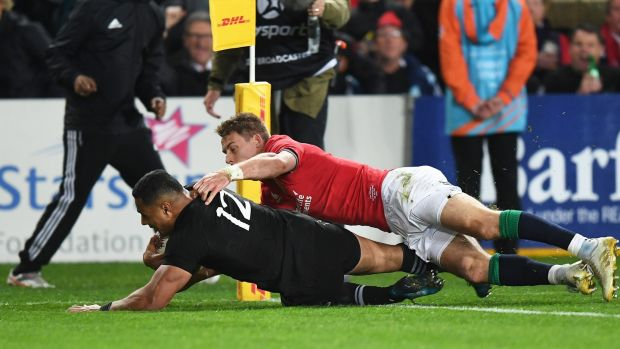 Ngani Laumape scores the first try. Photograph: Andrew Cornaga/Inpho