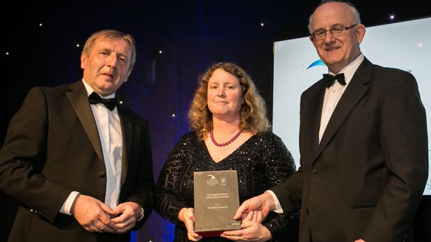 Minister Michael Creed and Tom Kelly, Divisional Manager for Cleantech, Electronics and Lifesciences, Enterprise Ireland presents The Digital Ocean Achievement Award to Charlotte O'Kelly, TechWorks Marine.