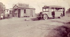 Bus outside Kellyville Post Office on corner of Acres and Windsor Roads, Kellyville, in the 1930s. Source: Wikipedia