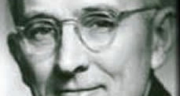 """Dale Carnegie: while the working environment may have changed since the """"How to Win Friends and Influence People"""" author's first course in a YMCA hall in Harlem, humankind has not."""