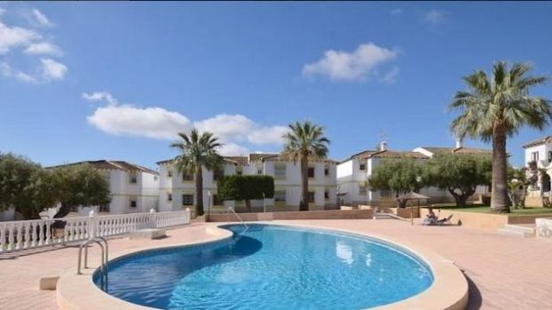 One-bedroom apartment with pool in Villamartin, Costa Blanca, Spain