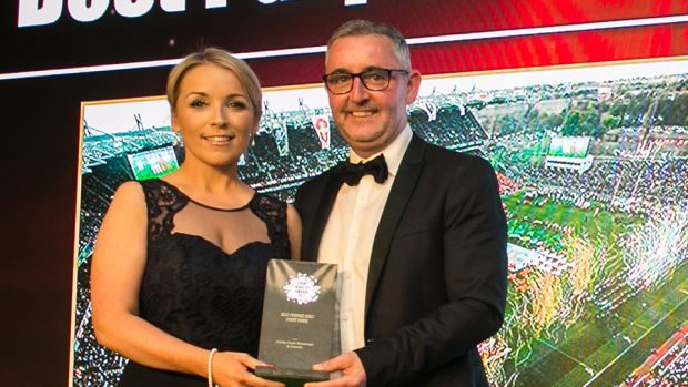 Elaine White, Conference & Events Manager, The Helix presents the Best Live Event award to Keelan Lynch, Grooveyard Event Management Company.