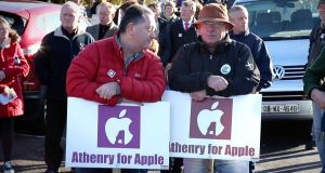 In November 2016 some 2,000 people demonstrated in favour of Apple's plans to invest in Athenry.
