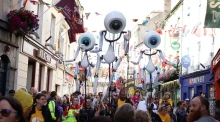 i-Puppets perform on the streets of Galway