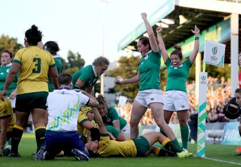 2017 Women's Rugby World Cup Pool C, UCD Bowl, Dublin. Ireland's Sophie Spence scores their third try Photo: INPHO/Dan Sheridan