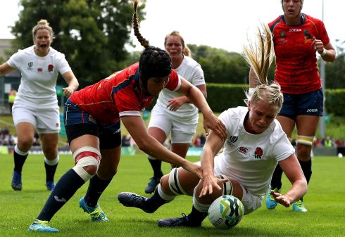 2017 Women's Rugby World Cup Pool B, UCD Bowl, England's Alex Matthews scores a try despite the efforts of Maria Bravo of Spain  Photo: INPHO/Bryan Keane