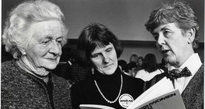 Mavis Arnold (centre) at the launch in 1987 of her booklet 'Irishwomen into Focus', with (left)  Thekla Beere, former chairwoman of the Commission on the Status of Women, and the then minister of State for women's affairs, Nuala Fennell. Photograph: Paddy Whelan