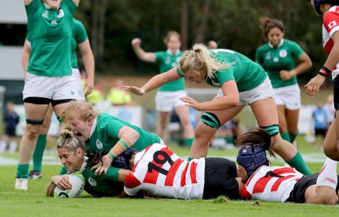 Ireland's Alison Miller scores her side's first try. Photo: Dan Sheridan/Inpho