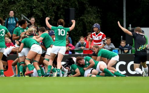 The Ireland players celebrate Paula Fitzpatrick's first try. Photo: Bryan Keane/Inpho