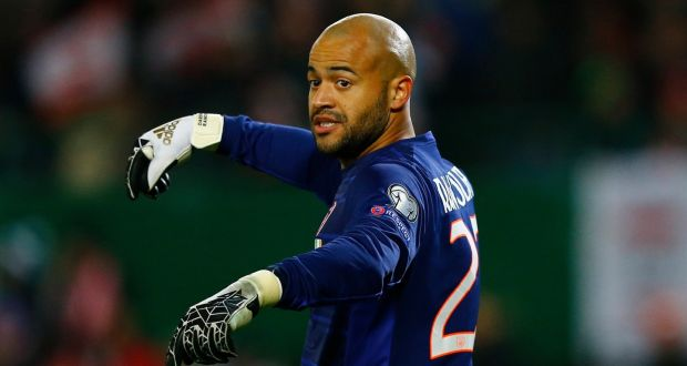 ireland goalkeeper darren randolph looking after number one