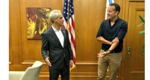 Meeting Chicago mayor Rahm Emmanuel this week. And letting his followers know.