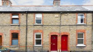 4 Darley Street, Dublin 6: opened up terraced house close to the Grand Canal.