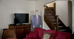 The livingroom of Trump's childhood home