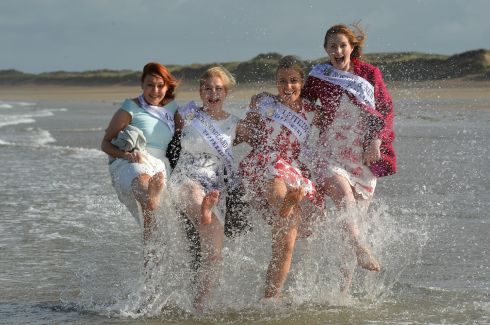 Roses pictured on Banna Beach in Co Kerry during the festival . Clare Rose Aoife Murray , Newfounder & Labrador Katie Hanlon Wadman , Leitrim Erin Moran and Boston & New England Orlaith Roche . Photo By : Domnick Walsh / Eye Focus LTD Tralee Co Kerry Ireland  Phone  Mobile 087 / 2672033 L/Line 066 71 22 981  E/mail - domnickwalsh@eircom.net         www.dwalshphoto.com