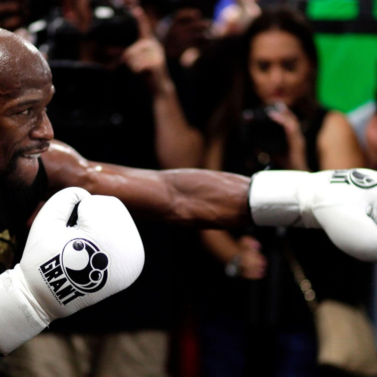 McGregor v Mayweather  Breaking down the estimated  600m revenue 3eee4a876