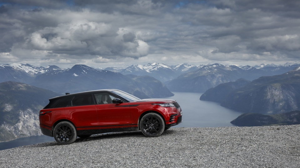 king of the mountains the range rover velar on a voyage through norway. Black Bedroom Furniture Sets. Home Design Ideas