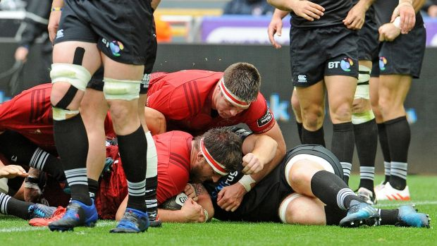 Munster three from three in PRO14 after gritty win at Ospreys