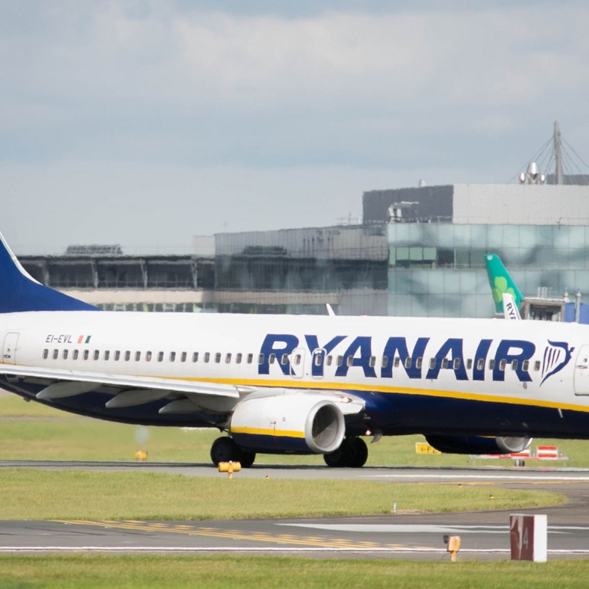 Qa all you need to know about ryanair flight cancellations fandeluxe Image collections