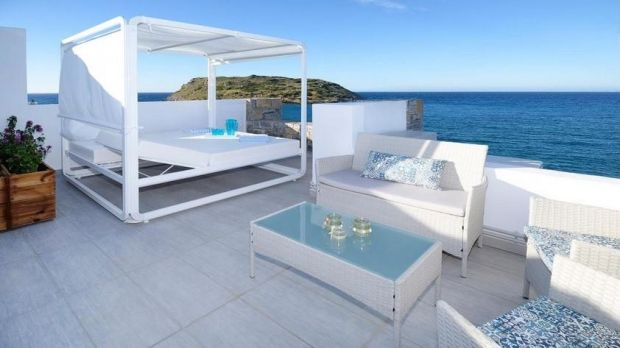 Villa with a Jacuzzi on the roof in Mochlos, Crete, Greece