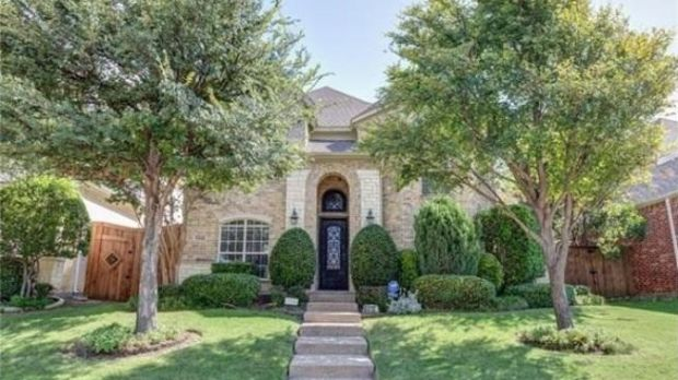 Three-bed, three-bath house in Collin County, Plano, Texas