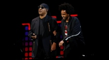 Stevie Wonder: 'Tonight, I'm taking a knee for America'