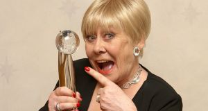 Coronation street actress Liz Dawn with the Lifetime Achievements award at the British Soap Awards 2008. Photograph:  Ian West/PA Wire