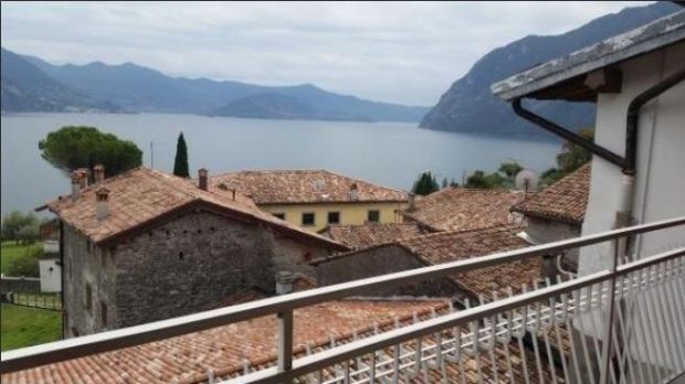 Three-bed house in Riva di Solto, Bergamo, Lombardy, Italy