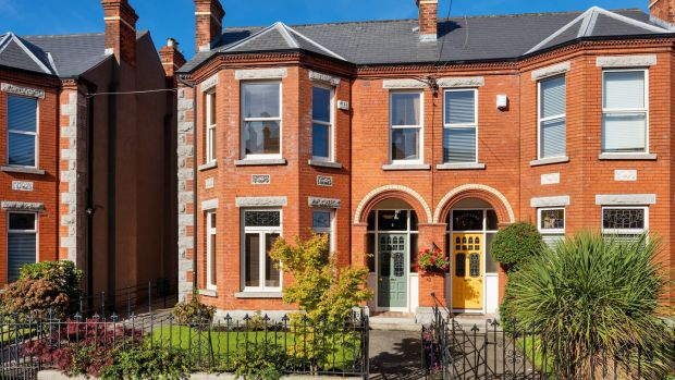 6 Iona Drive went up for sale seeking €925,000 in October 2016, sold the following April for €1.052m