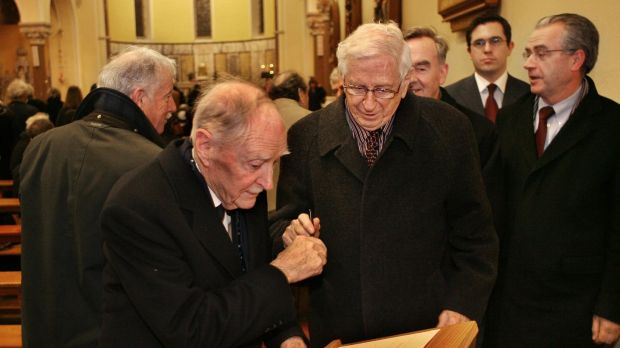 Former taoisigh Liam Cosgrave and Dr Garret FitzGerald sign a book of condolances at the removal service for Dr Conor Cruise O'Brien in the Church of the Assumption Howth in 2008. Photograph: Matt Kavanagh