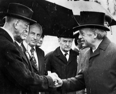The president Erskine Childers greeting the former president Eamon de Valera at the Easter Rising commemoration ceremonies in Arbour Hill, Dublin in May 1974. The Minister for Transport and Power, Peter Barry, and the taoiseach, Liam Cosgrave, were among the government representatives present.  Photograph: Tom Lawlor/The Irish Times