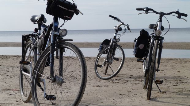 Cycling on sand – is that actually a thing?
