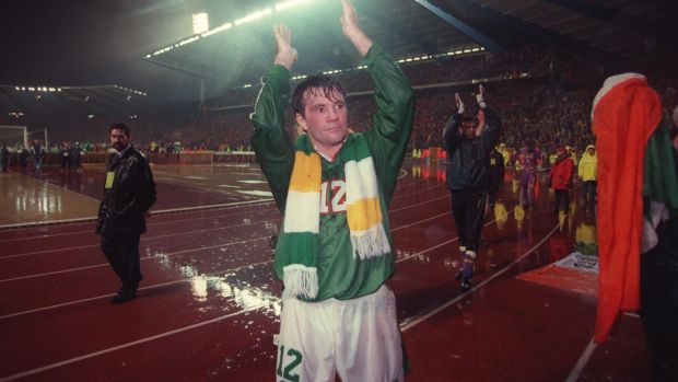 Ray Houghton thanks the Irish fans after the playoff loss to Belgium in 1997. Photo: Inpho
