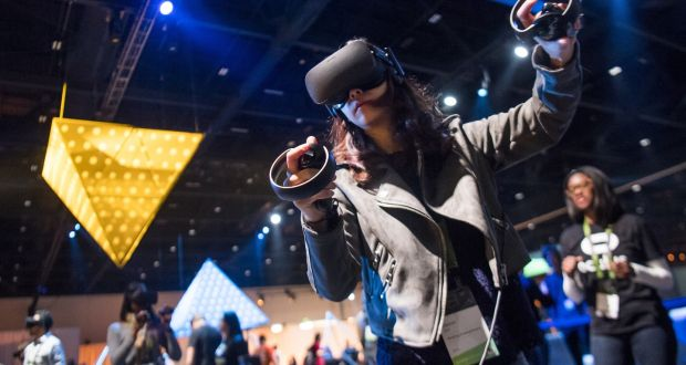 Facebook to sell portable headset for virtual reality